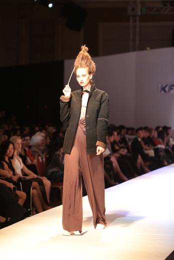 20110427, Kazakhstan Fashion Week, Mechanical piano (Алма-Ата, Казахстан) коллекция «Хрупкие мечты». Фотография предоставлена организаторами KFW.