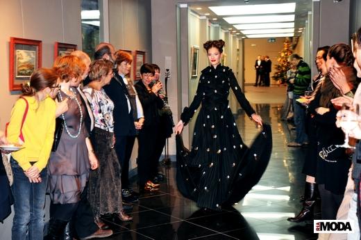 20101208 Показ коллекции шелковых платьев Татьяны Парфеновой. Фотография Ирины Щелкуновой, ИА «РИА МОДА».