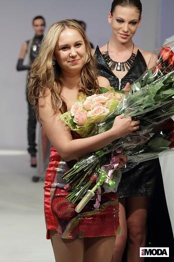 Лещенко Виктория «Черный рассвет». Фотография Натальи Бухониной, ИА «РИА Мода»