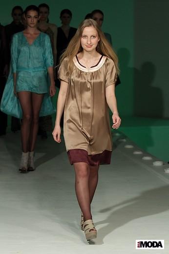 Илюхина Екатерина «Сонная лощина». Фотография Натальи Бухониной, ИА «РИА Мода»
