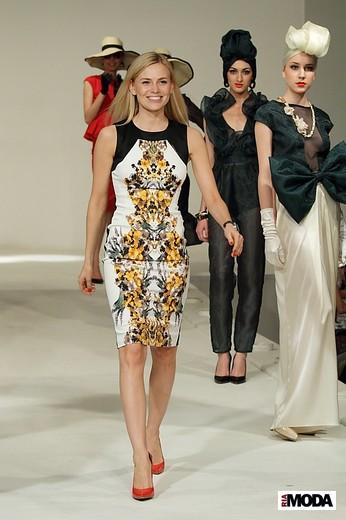 Чернявская Елена «Леди Бонд». Фотография Натальи Бухониной, ИА «РИА Мода»