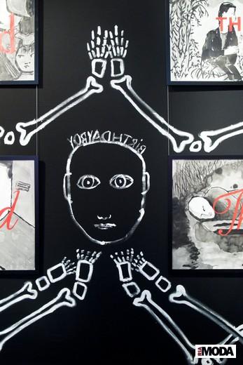 Рисунки Жана-Шарля де Кастельбажака. Фотография Ирины Щелкуновой, ИА «РИА Мода»