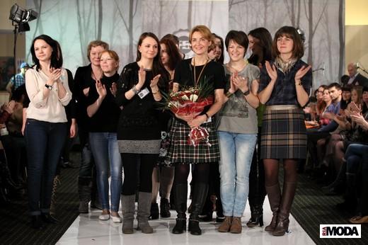 Дизайнеры компании F5 (в центре - главный дизайнер Юлия Мятковская). Фотография Натальи Бухониной, ИА «РИА Мода»