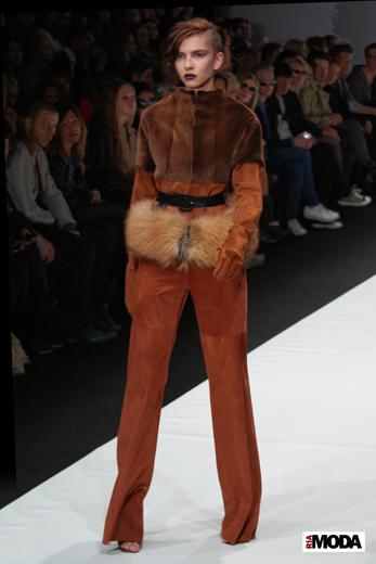 20100403 Russian Fashion Week. Показ коллекции VIVA VOX (сезон осень-зима 2010/2011). Фотография Ивана Бурняшева, ИА «РИА МОДА».