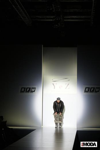 20100404 Russian Fashion Week. Показ коллекции Егора Зайцева (сезон осень-зима 2010/2011). Фотография Валентины Кузнецовой, ИА «РИА МОДА».
