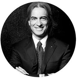 Джулио Ди Сабато. Фотография из Instagram организаторов конференция Fashion Futurum
