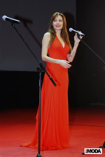 20100725 Анджелина Джоли на премьере кинофильма «Солт» в Москве. Фотография Ивана Бурняшева, ИА «РИА МОДА».