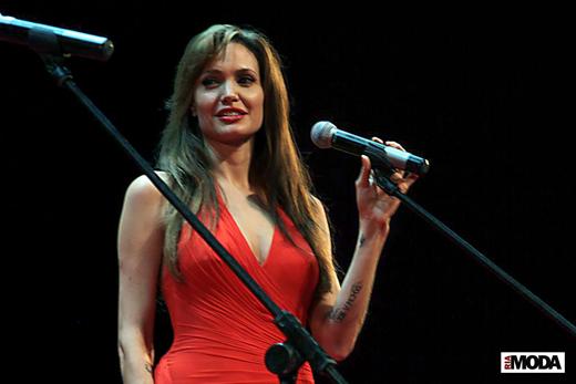 20100725 Анджелина Джоли на премьере кинофильма «Солт» в Москве. Фотография Натальи Лапиной, ИА «РИА МОДА».