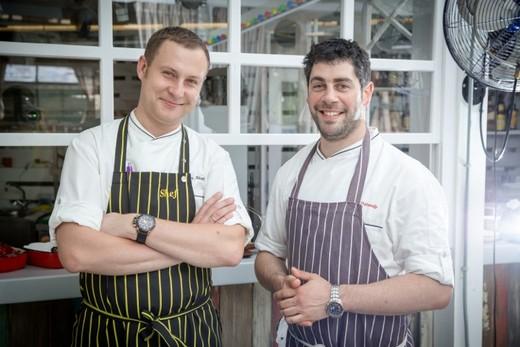 Бренд-шеф «Фани Кабани» Марк Стаценко и шеф-повар Алексей Крылов. Фотография предоставлена организаторами