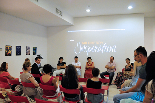 20100722 Мастер-класс Летней школы fashion-журналистики. Фотография Алексея Королева, техника предоставлена Интермода.ру.