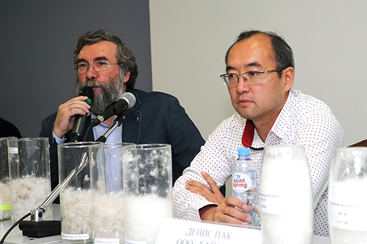 Владимир Богданов (слева). Фотография Натальи Бухониной, предоставлена организаторами выставки Sport Casual Moscow