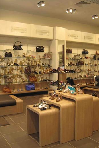 """Открытие нового обувного каскета """"Эконики"""" открыла в торговом центре """"Вегас"""". Фотография предоставлена компанией."""