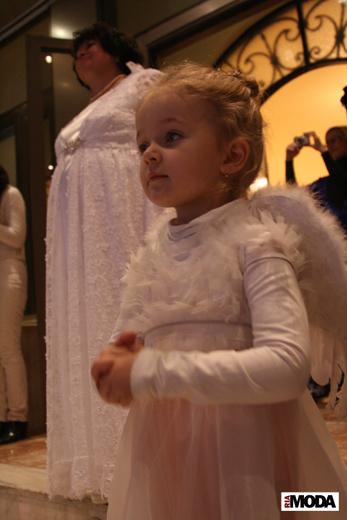 20091212 «Бал Ангела». Фотография Дэниела Андерсона, ИА «РИА МОДА»