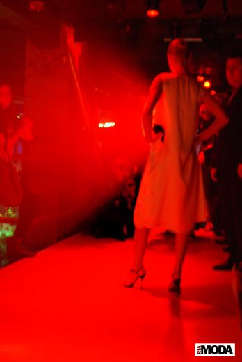 20091204 Показ коллекции Александра Абрамова «Monochrome» (весна-лето 2010) в клубе Fabrique. Фотография Александра Кузнецова, ИА «РИА МОДА»