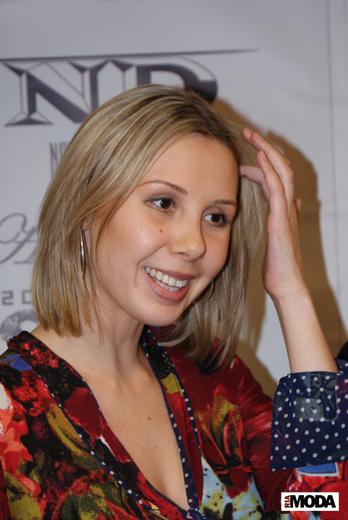 20091211 Фотосессия в бутике «MARKALINA». Марьяна Неустроева.  Фотография Александра  Кузнецова, ИА «РИА МОДА»