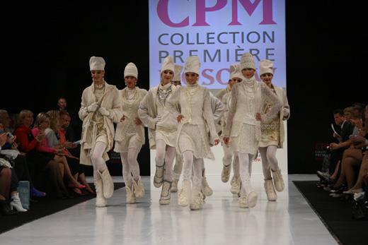 20090907 CPM. Показ моделей Славы Зайцева. Фотография Дэниела Андерсона, ИА «РИА МОДА».