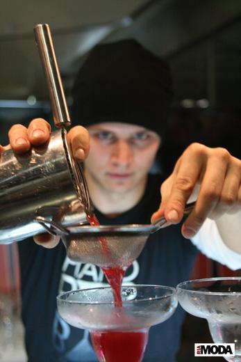 20091202 Открытие автоматизированного магазина футболок бренда SHAPOVALOVA. Фотография Дэниела Андерсона, ИА «РИА МОДА»